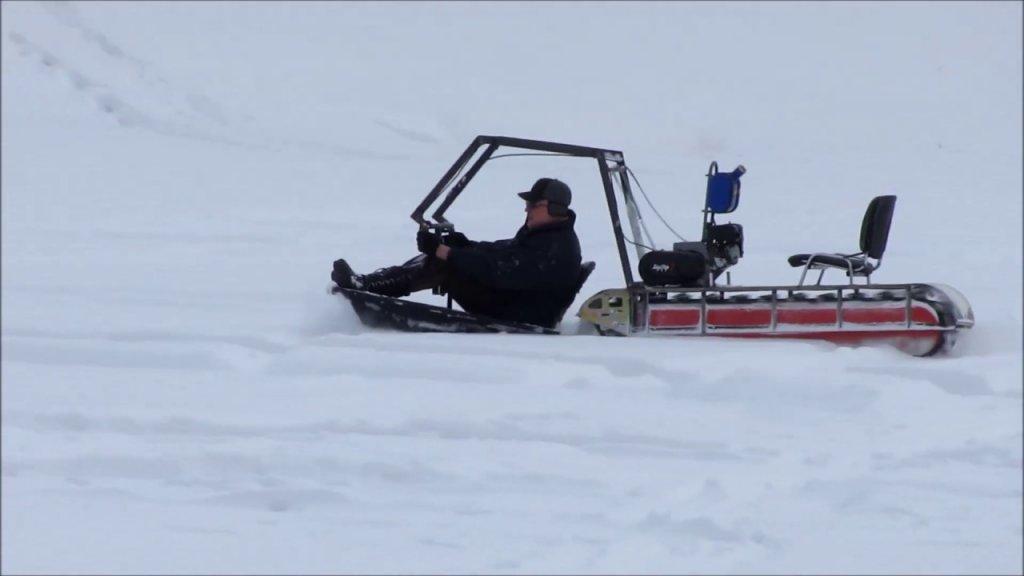 Непотопляемый снегоход-толкач (испытания)