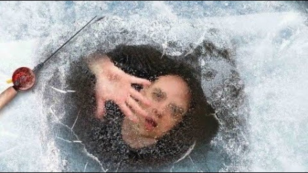 Провалился под лед. Ловим Карася на Паук - Подъемник. Окунь на Микроджиг. Зимняя Рыбалка