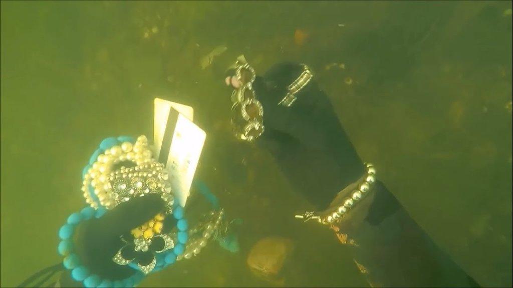 Что можно найти под водой