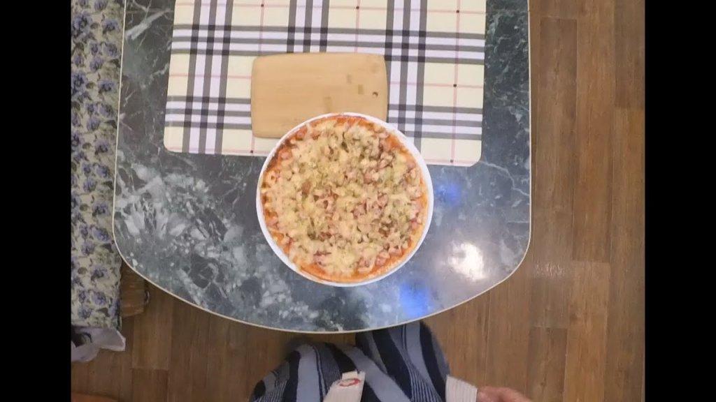 Простая, быстрая пицца в микроволновке…