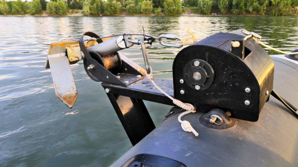 Тюнинг лодки пвх. Внедрение кастомной электрической якорной лебедки своими руками