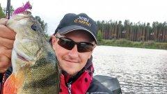 Рыбалка на большой реке, окунь на каждом забросе / как быстро найти рыбу?