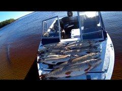 Как я огромных щук наловил / fishing for pike / рыбалка на севере / часть 2