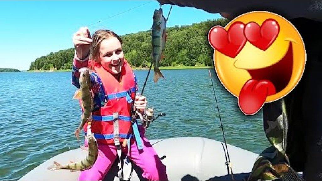 На каждом забросе рыба! Рыбалка с берега! Ловля окуня летом. Рыбалка на окуня 2020.