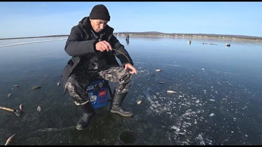 Первый лед опасный но щедрый!