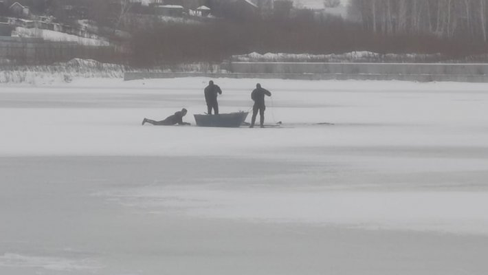 Зимняя рыбалка не прощает ошибок. Трагедия на озере Каменка