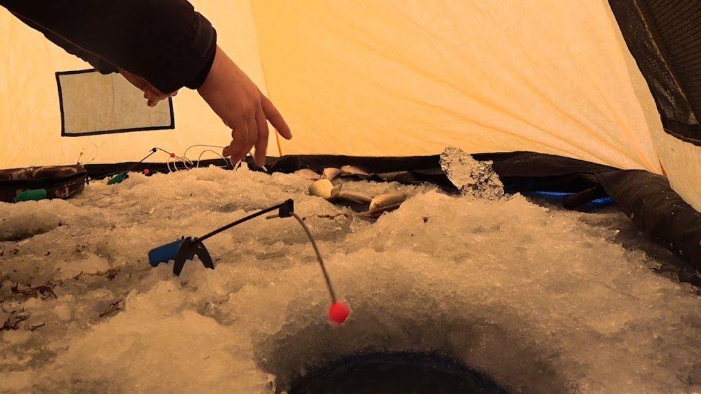 Рыбалка на плотву в -30. Захватывающие поклевки сороги. Зимняя рыбалка 2020