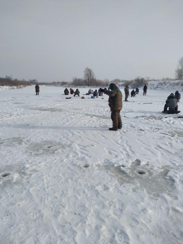 Битва с щучьими детьми на Кашламе.Самый первый лёд.