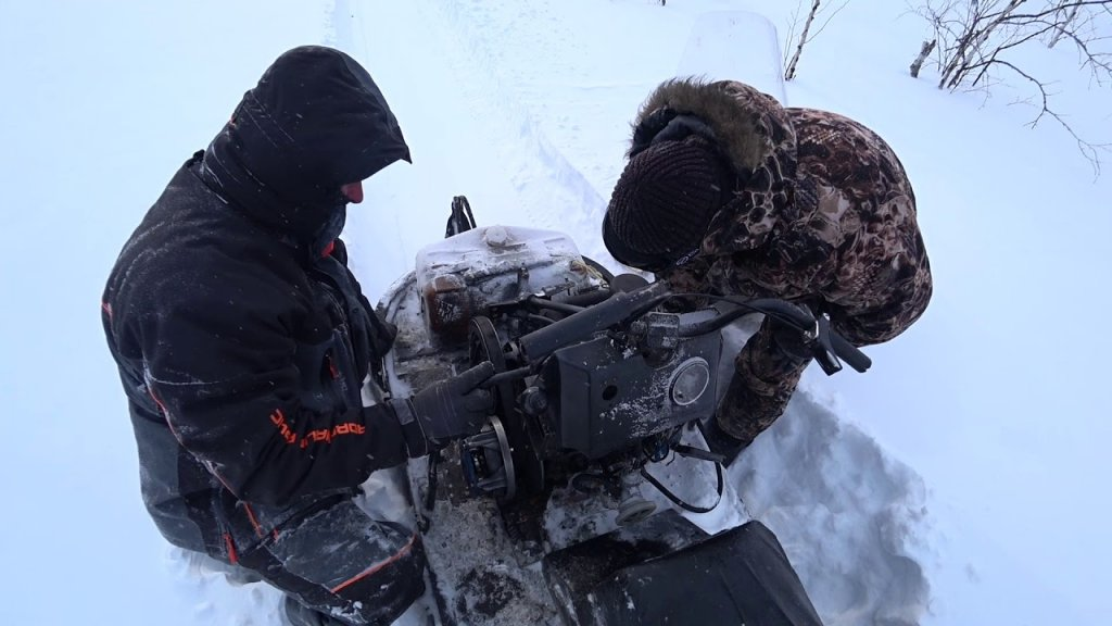 Экстримальная Рыбалка на севере Томская область. Большая Саровка. Недоступные озёра где нет людей!