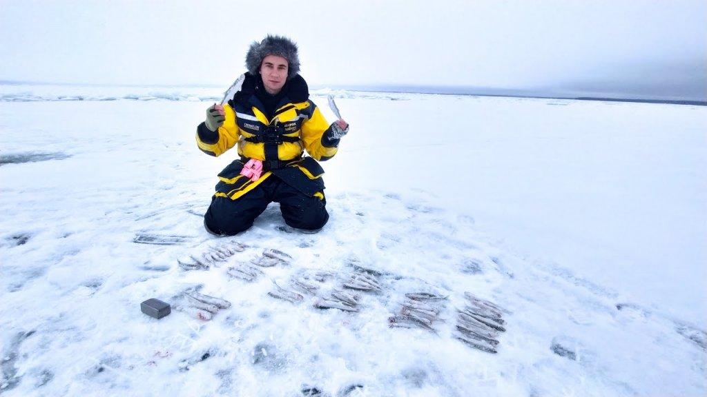 Зимняя рыбалка на КОРЮШКУ. Южный берег, Новое Гарколово.