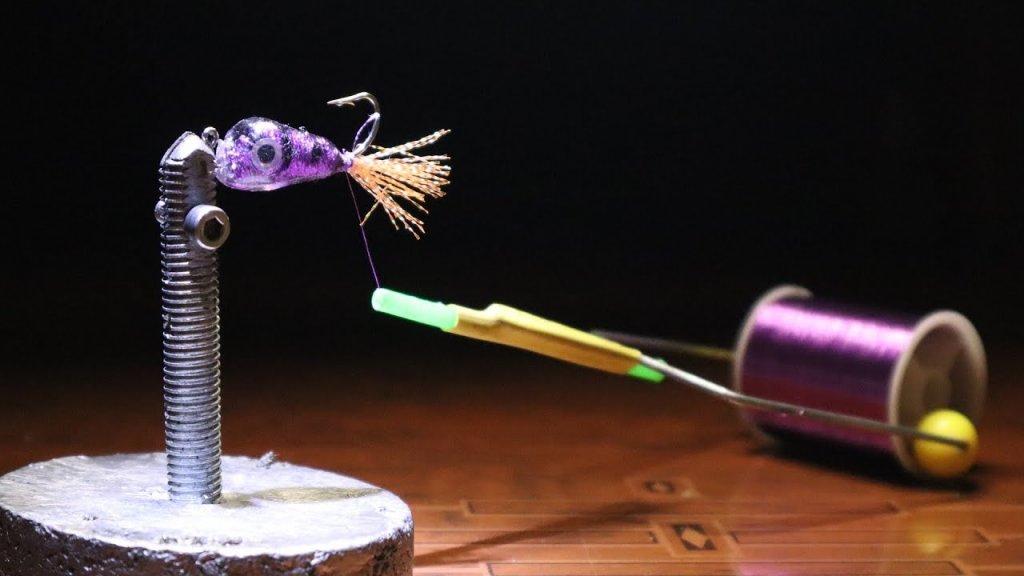Самоделка для рыбалки из болта / как сделать бабинодержатель для вязания мушек своими руками