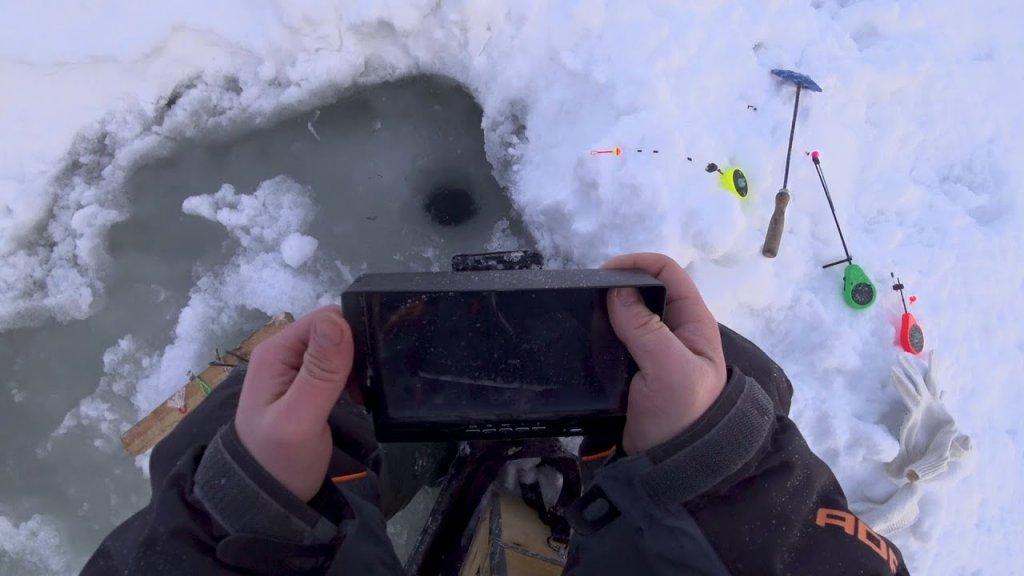 Нарыбачился! Утопил камеру на рыбалке в глухозимье