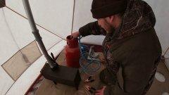 Жесть!!не повторять!!!хорошо что ничего не бабахнуло. Тест зимней палатки снегирь 3 у.