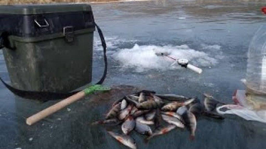 Простая зимняя рыбалка на мормышку!!!