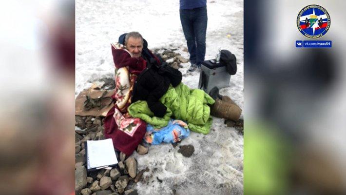 В Затоне спасли рыбака и растерли его водкой