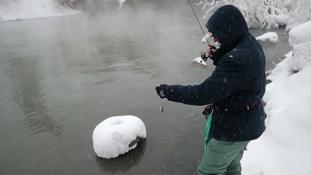 ULFC Угрюмка. Зимний спиннинг. Рыба есть!