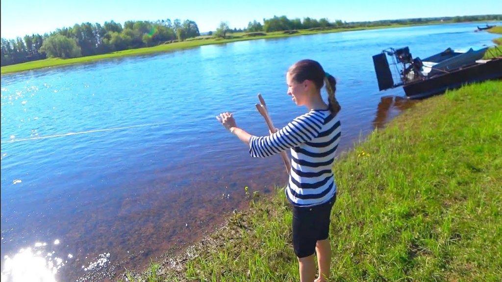 Рыбалка на кораблик / впервые в жизни поймал сига на такую снасть.