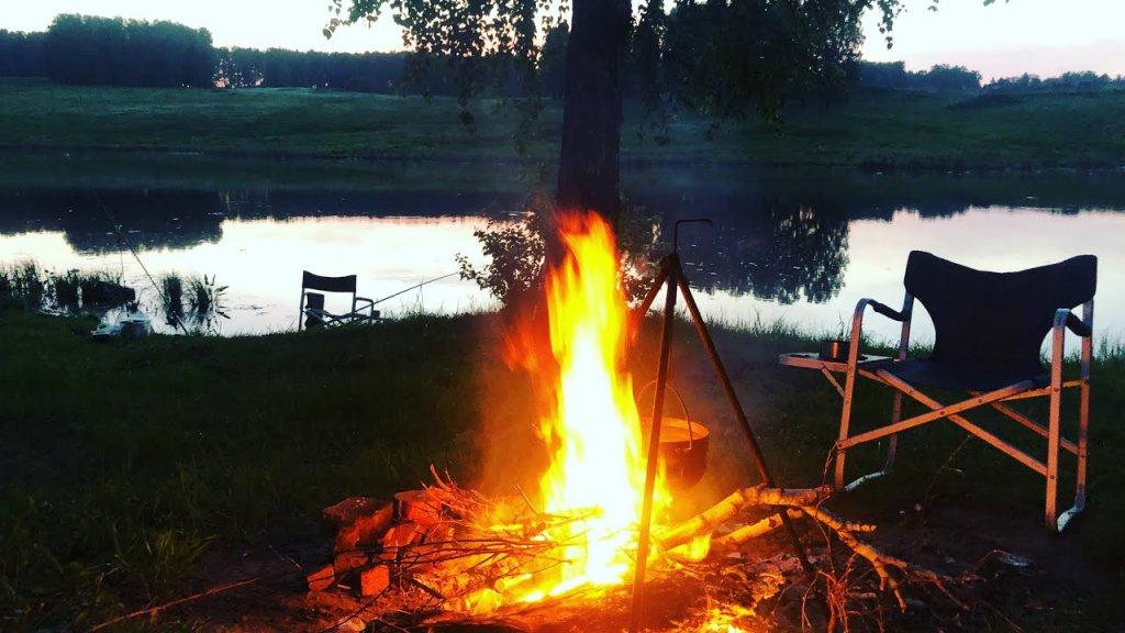 Рыбалка с ночевкой 2021. Ловля крупного окуня на болоте.