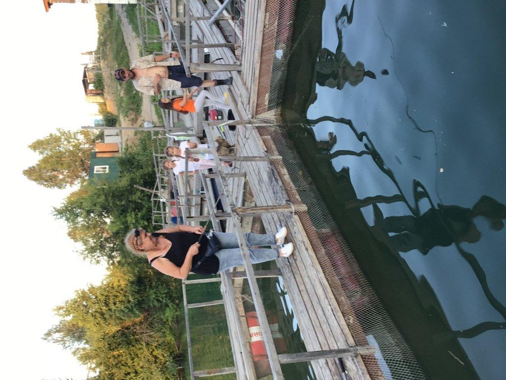 Жители автодома на рыбалке.им