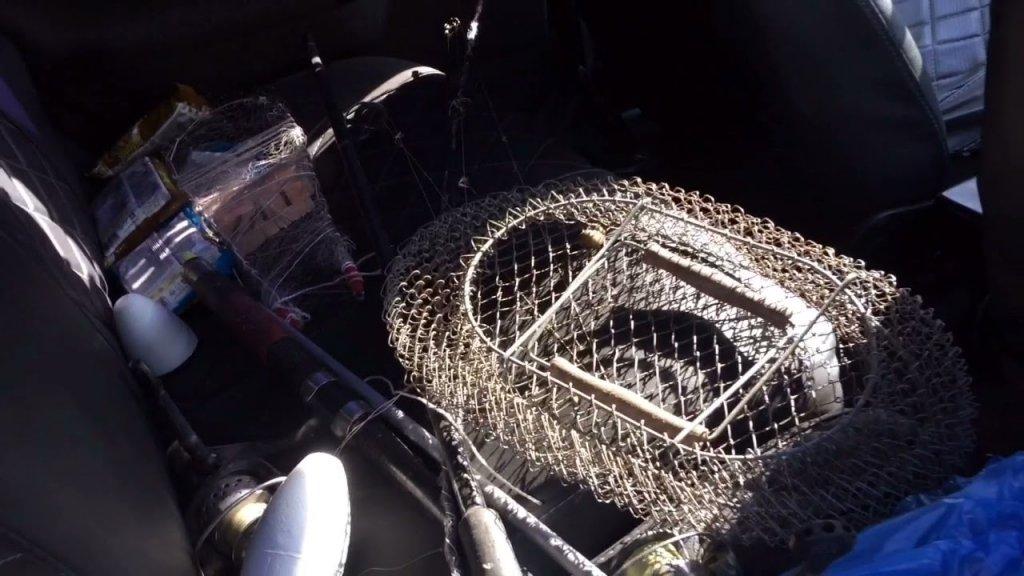 Рыбалка на косынки. Проверяю раколовки. Ловлю раков