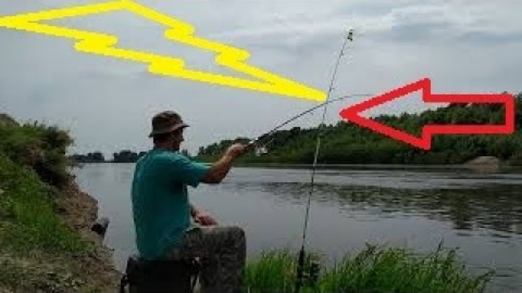 РЫБАЛКА НА ПОПЛАВОЧНУЮ УДОЧКУ В ТИШИНЕ! Лов плотвы на реке поплавочной удочкой.