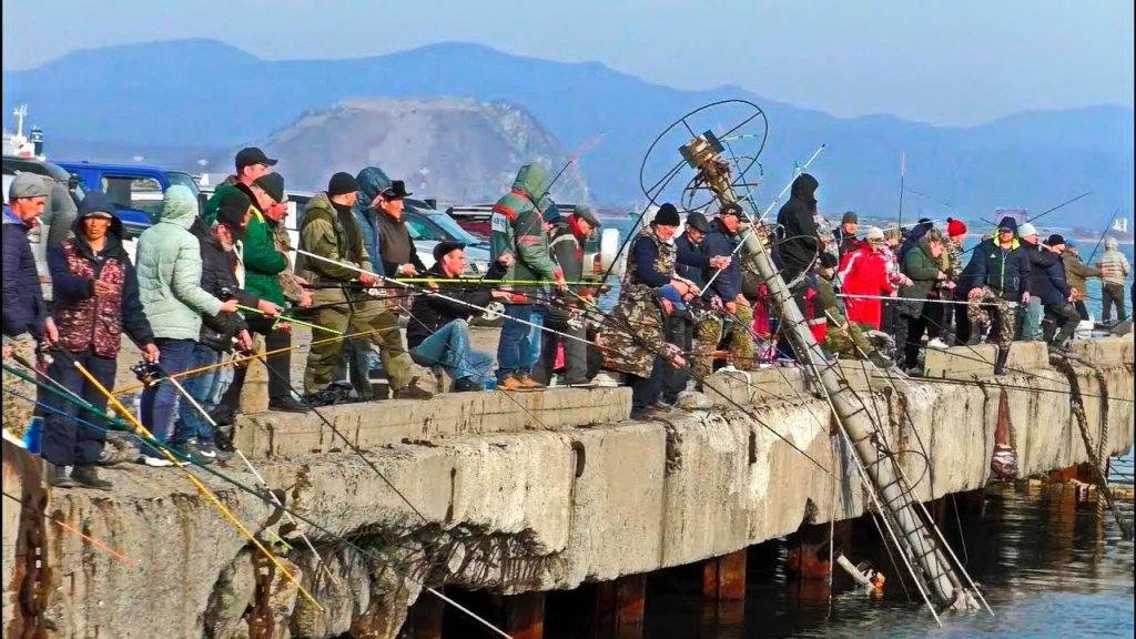 ВОТ ЭТО ТРОФЕЙНАЯ РЫБАЛКА Вот это приколы на рыбалке #1