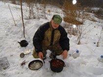 Кузнец решил приготовить жиденький супчик из косулятины.