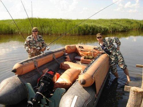 Баркас для охоты и рыбалки