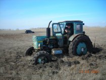 Ждем вторй трактор.