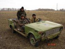 На Алтае тоже с транспортом не заморачиваются.