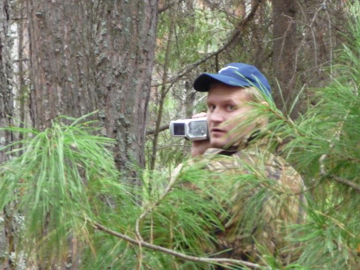 Видеоохота на рябчика весной. И фотоохота Бати на меня :-)