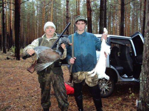 Удачный день, сын с первым зайцем