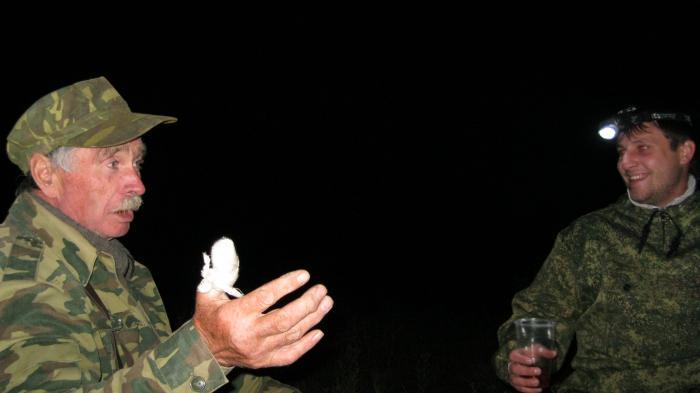 На открытии брат делится воспоминаниями об охоте, а мой сын не верит рассказам.... и правильно делает!!!!