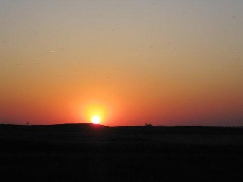 Солнце катится к закату...