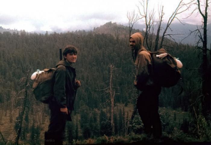 Моя (на фото слева) первая экспедиция в Саяны, 1973 г.