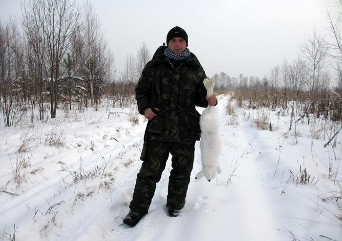 А беляк уже белый (на охоте с младшим сыном)