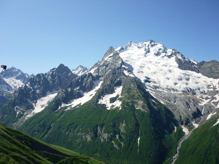 Выше гор.....