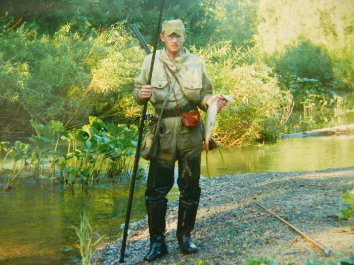 Таймень на червя,река Заломная,середина 90-х.