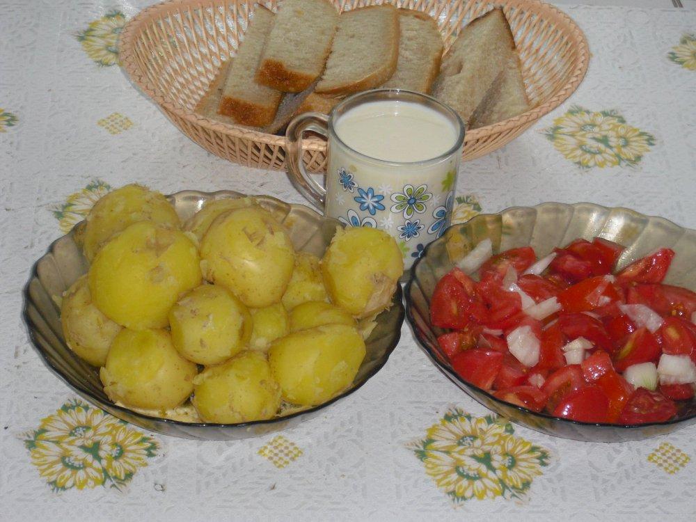 Свежа и вкусна 28 июля картошечка со своего подворья!
