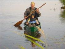 Красота на озере внуку!
