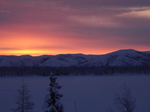 Рассвет в горах Верхоянья