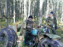 Брошенный стоит в тайге Томской области!!!