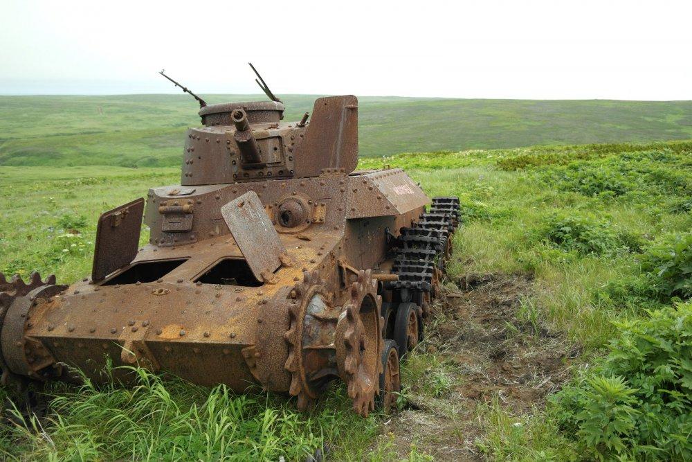 еще один подбитый танк...