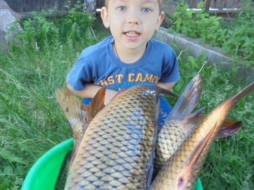 Дед приехал с рыбалки