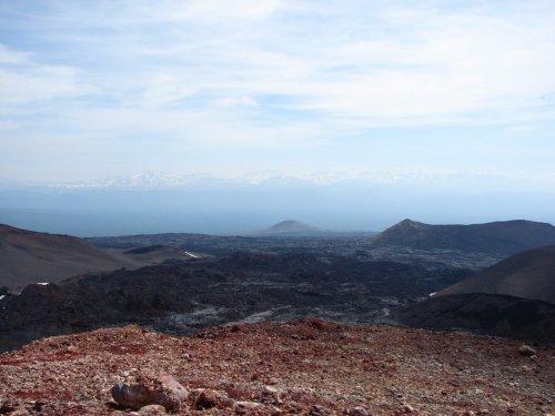 Лавовые поля и конусы извержения 2012-13 годов в районе вулканов Острый и Плоский Толбачик