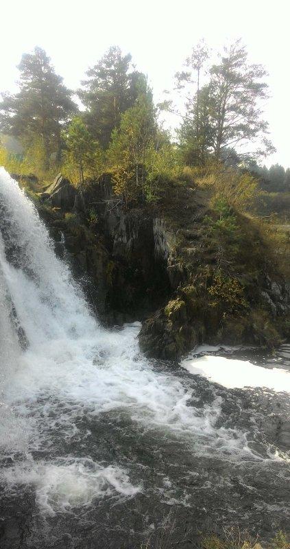 Водопад в НСО