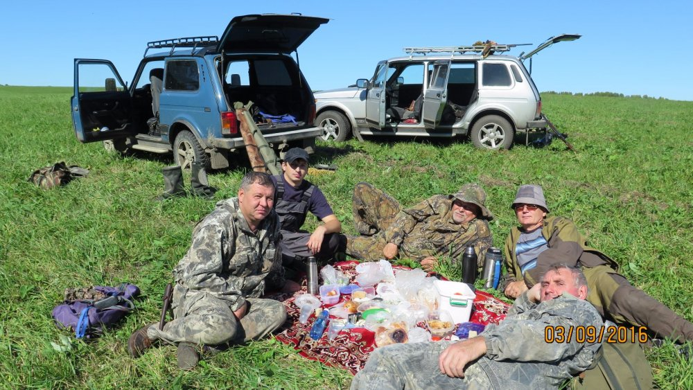обед после удачной охоты.