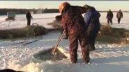 Зимняя рыбалка на невод в Якутии.  Мунха.