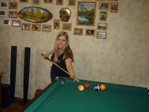 Забивает по маленьку, моя охотница)))