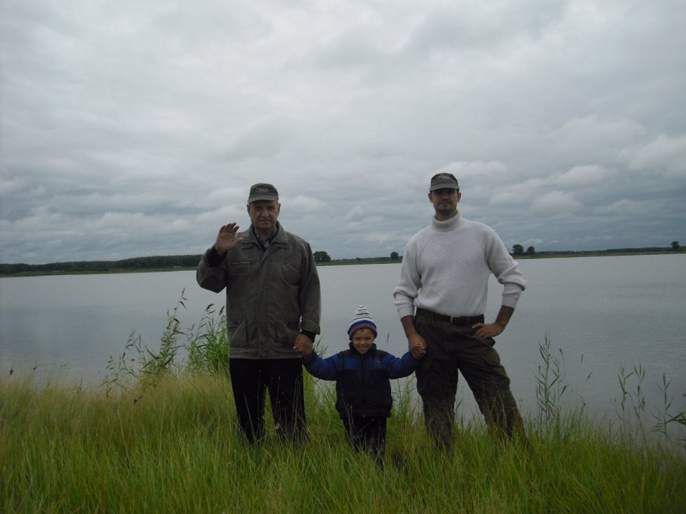Привет сайту с озера от охотников.